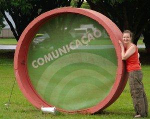 Vortragsreise nach Brasilien Ende 2012; Bild entstand vor dem Museum für Sprache in Braslia